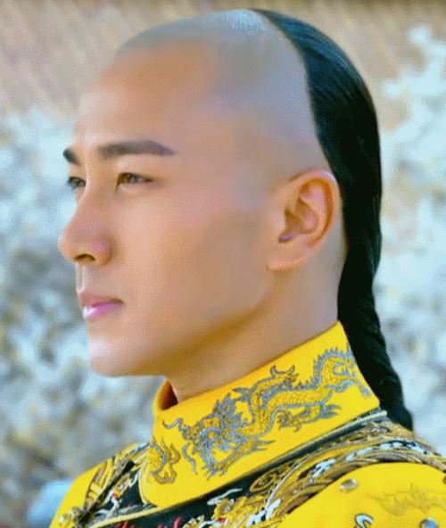 Длинные волосы у мужчин в Китае