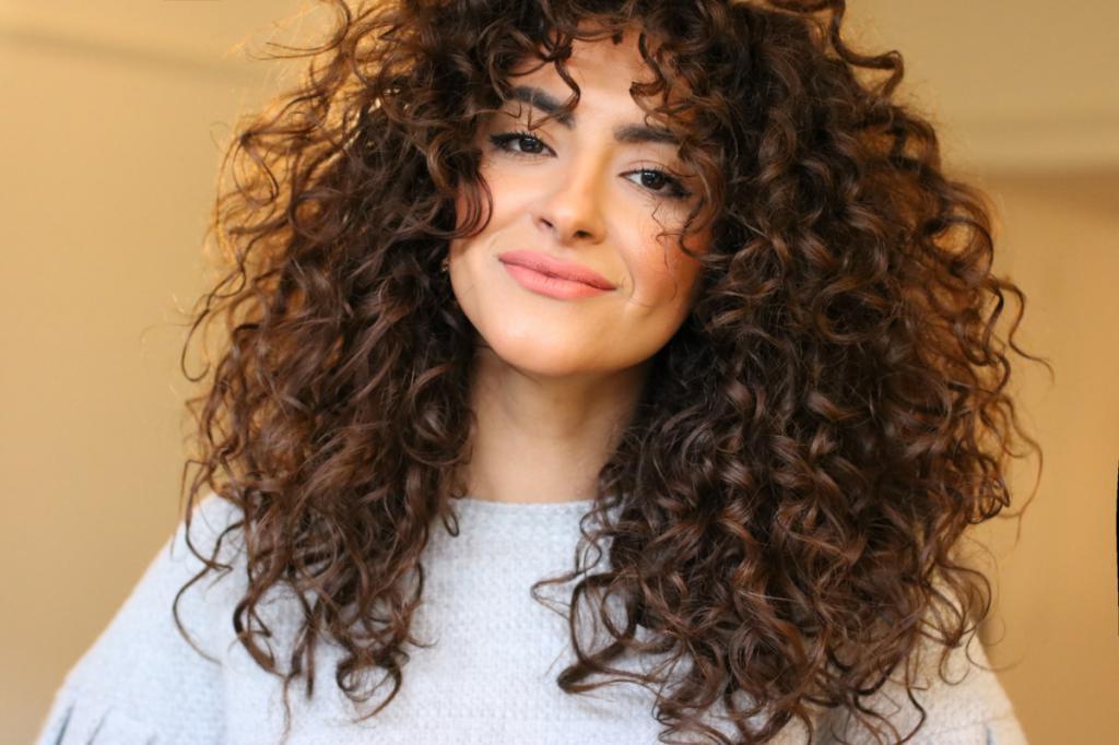 Почему кудрявые волосы от природы