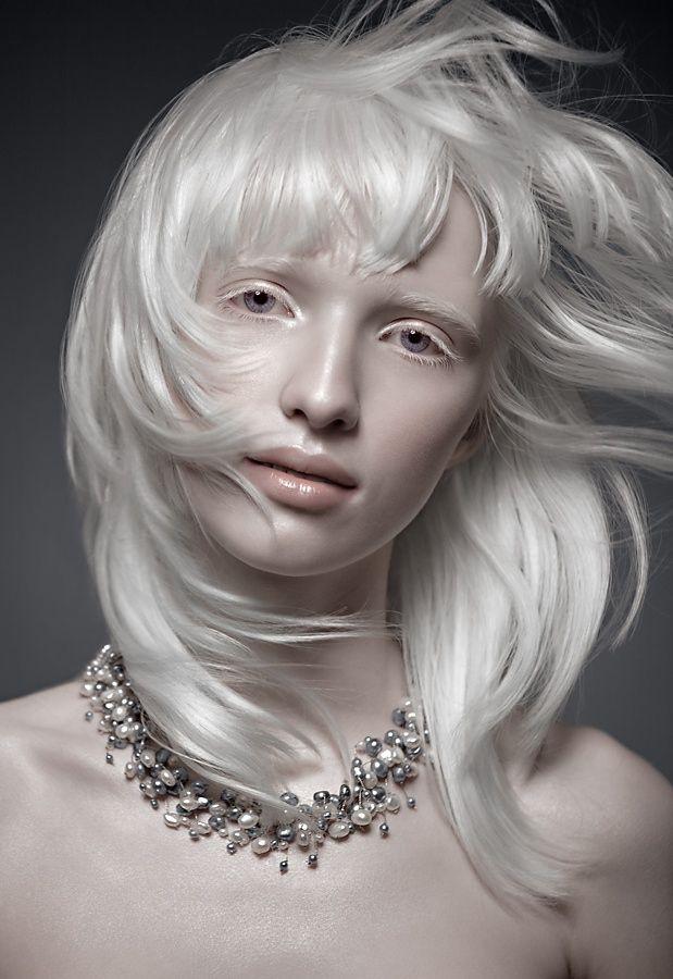 Сон волосы белого цвета