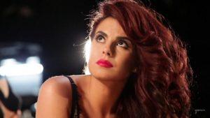 фото Настя Каменских красные волосы