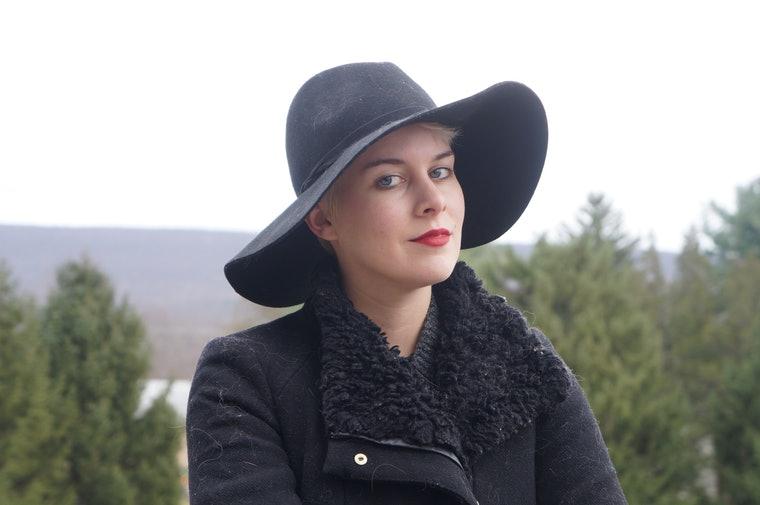 как носить шапку +с короткими волосами правильно