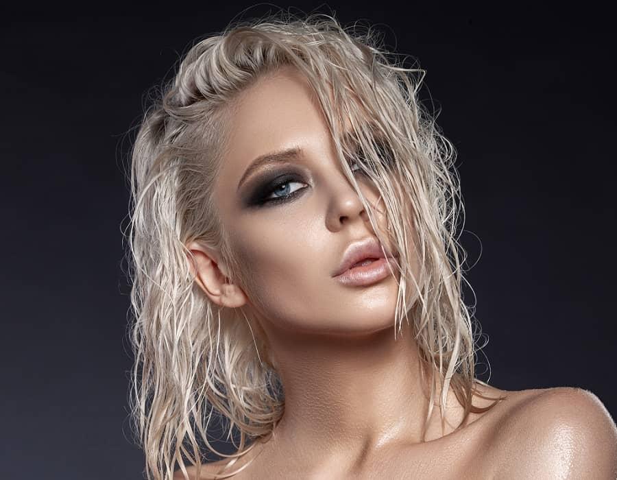 Можно ли красить, расчесывать и выпрямлять влажные волосы