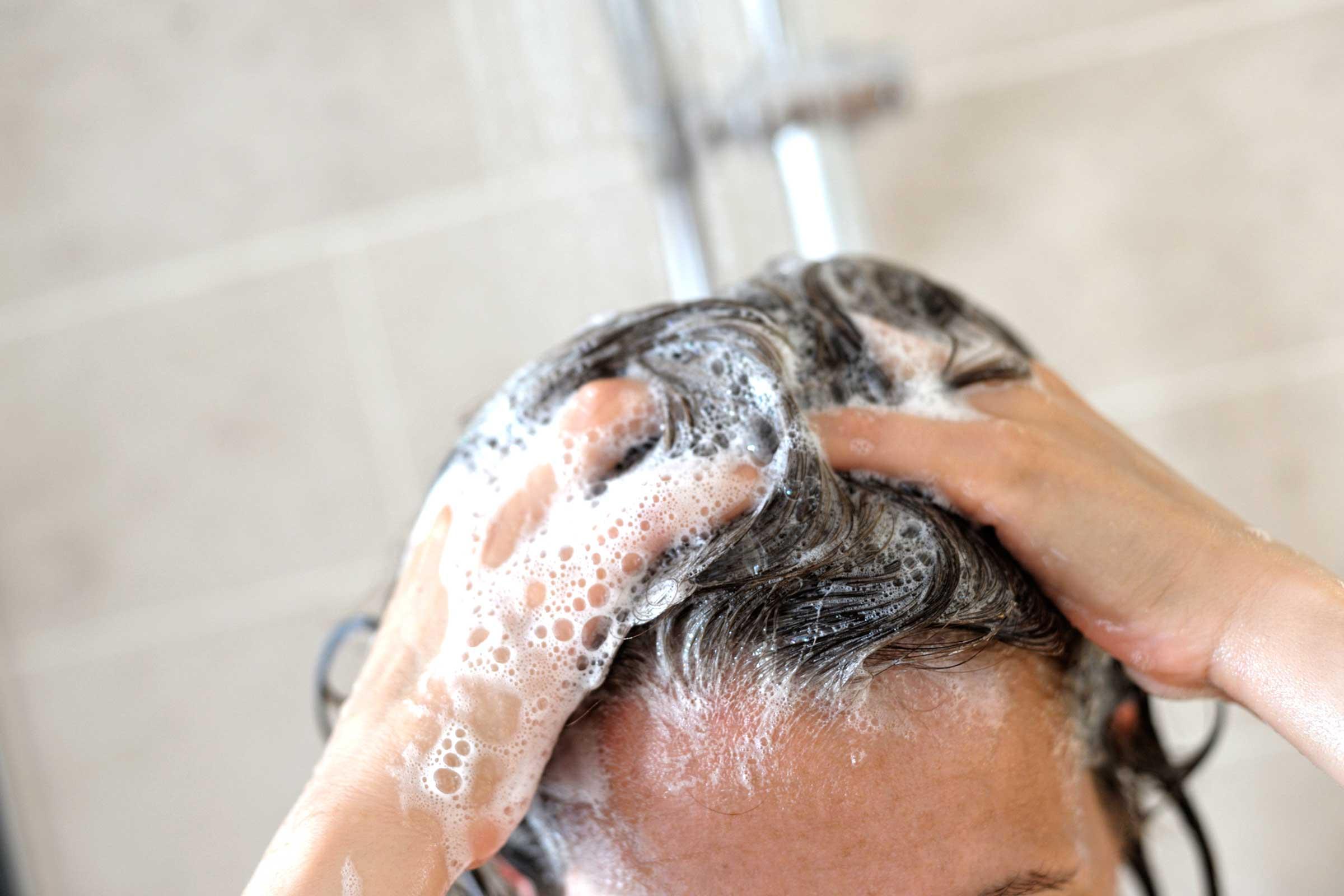 Можно волосы мыть детским мылом