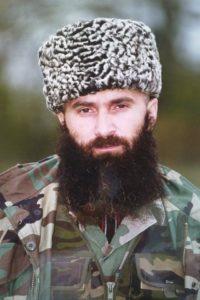 фото Чеченцы с длинными волосами и бородой