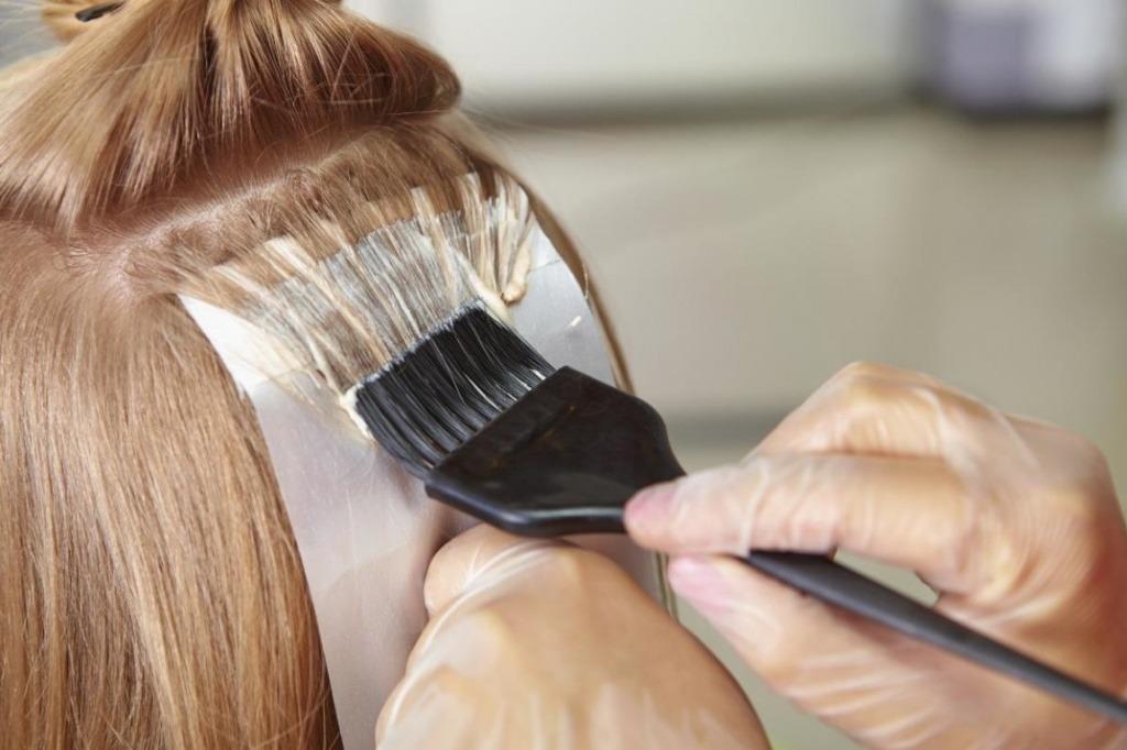 Мыть ли волосы перед окрашиванием