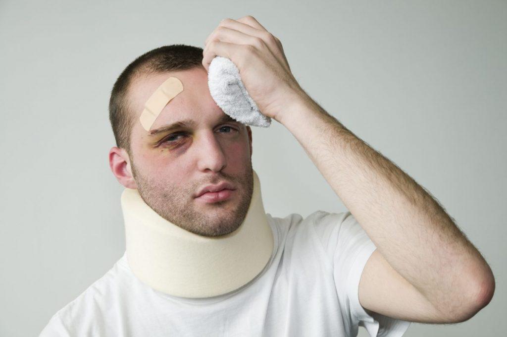 травмами головы