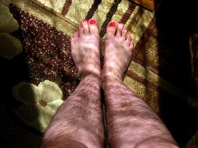 Приснились черные волосатые ноги