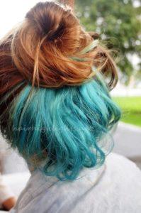 Скрытое окрашивание на русые волосы средней длины зеленое