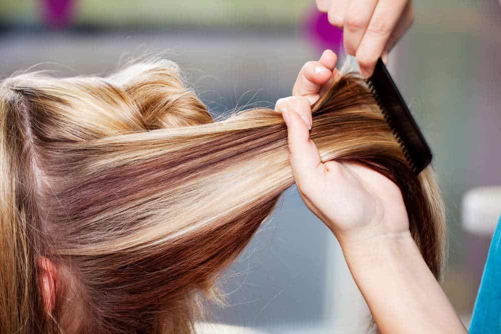 Сколько держится мелирование волос