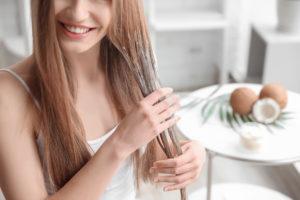 Кокосовое масло для влажных волос