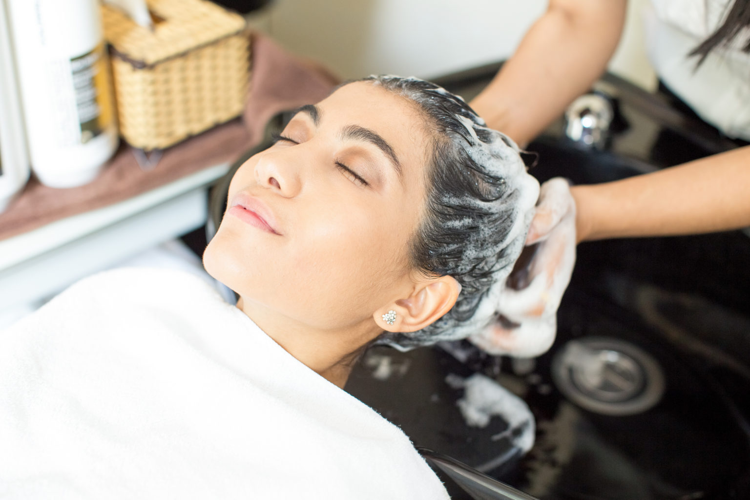 Как ухаживать за кожей головы