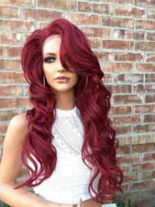 Бордово-красный оттенок волос