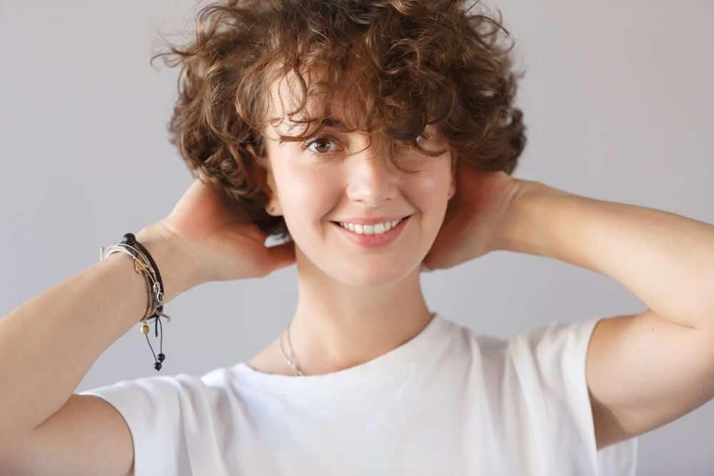 Челка на кудрявые волосы
