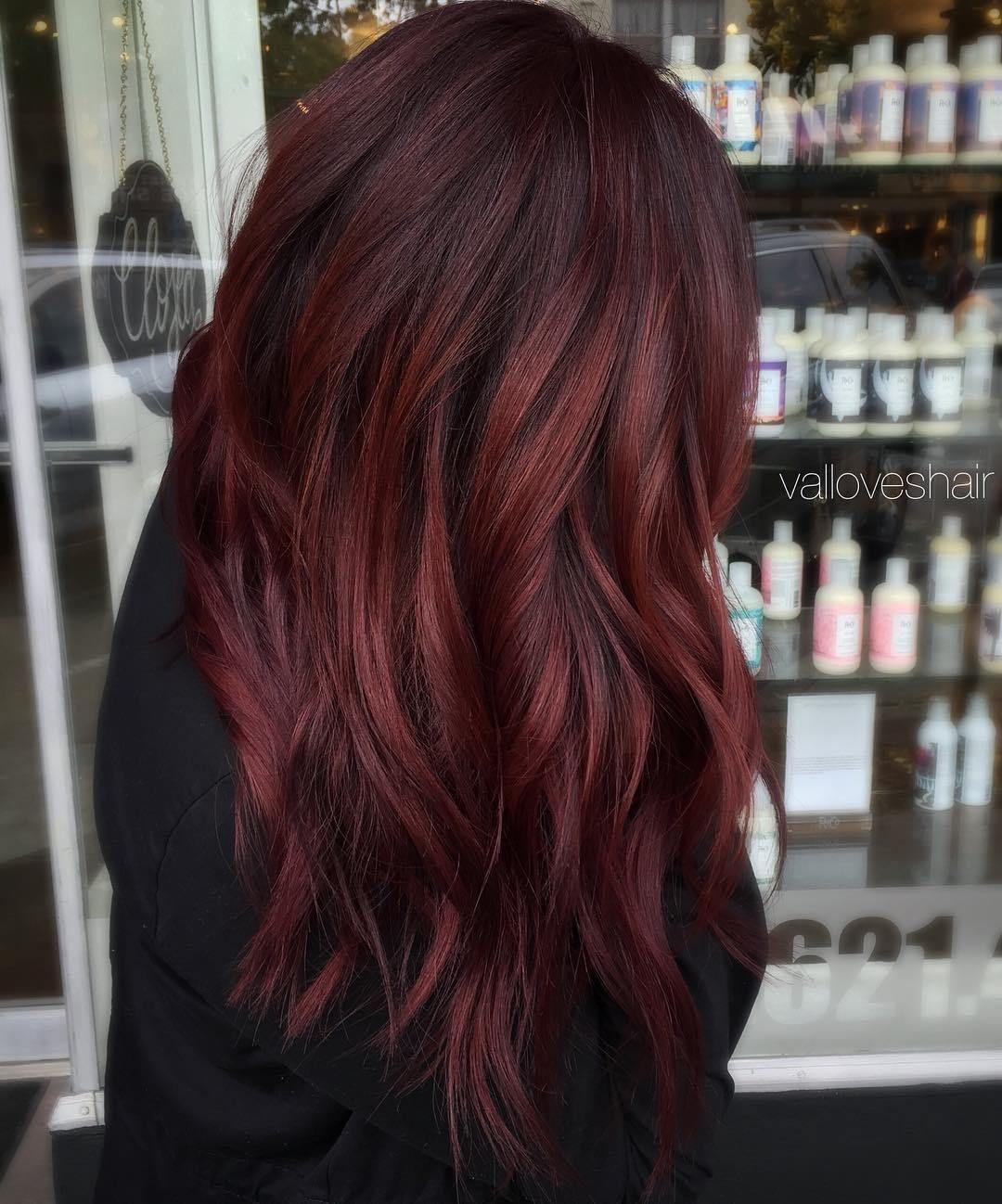 Цвет волос глинтвейн фото