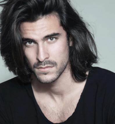 Греки с длинными волосами