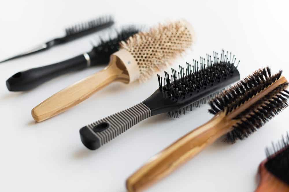 Где и как хранить расчески для волос