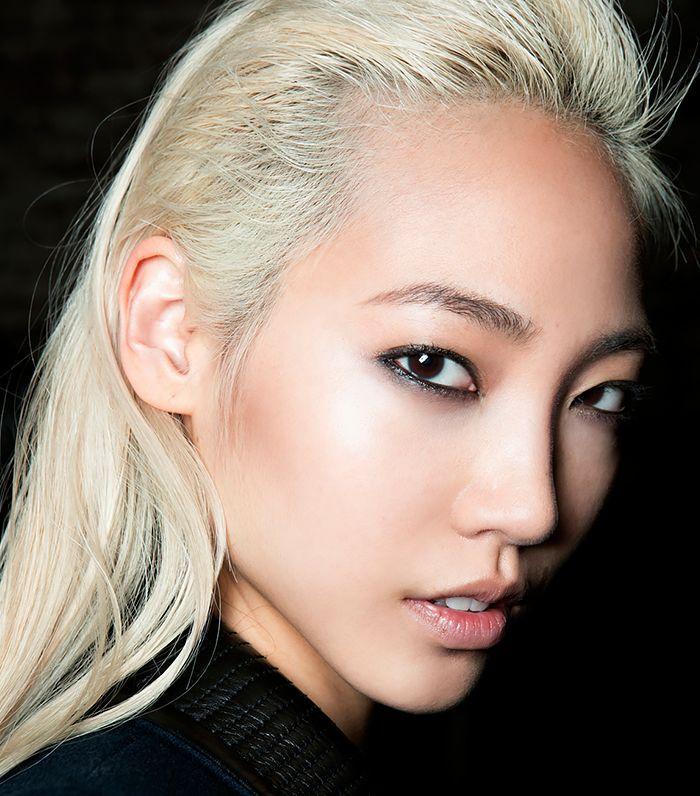 Китаянка с белыми волосами фото