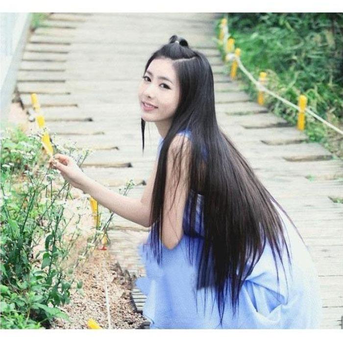 Китаянки с длинными волосами девушка