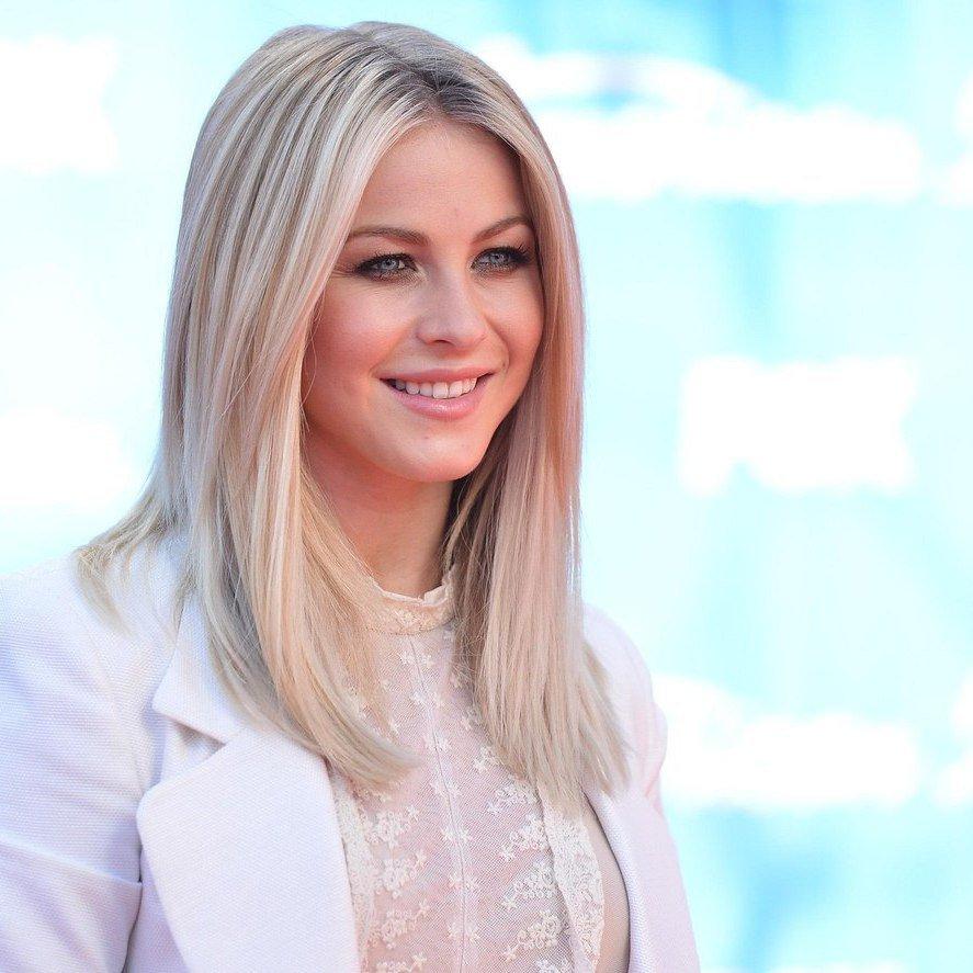 Кому идет холодный блонд девушка