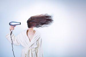 Сухие волосы причины