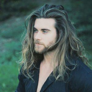 Длинные волосы у мужчин уход фото