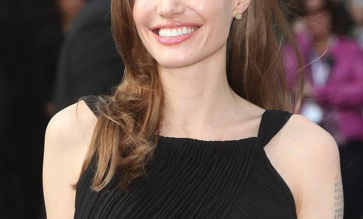 Анджелина Джоли волосы