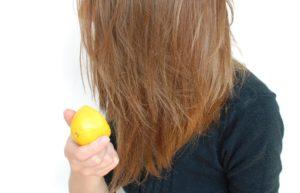 Утяжелить волосы кислой средой