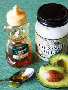 Особенно рекомендуются масла авокадо и кокоса