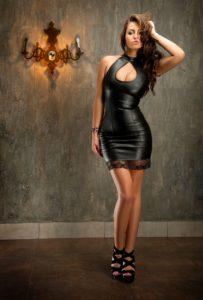 сексуальная женщина в платье