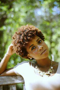у африканцев вьющиеся волосы