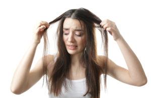 Причины чрезмерного выпадения волос