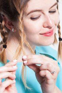 Заплетите косички на тонкие волосы